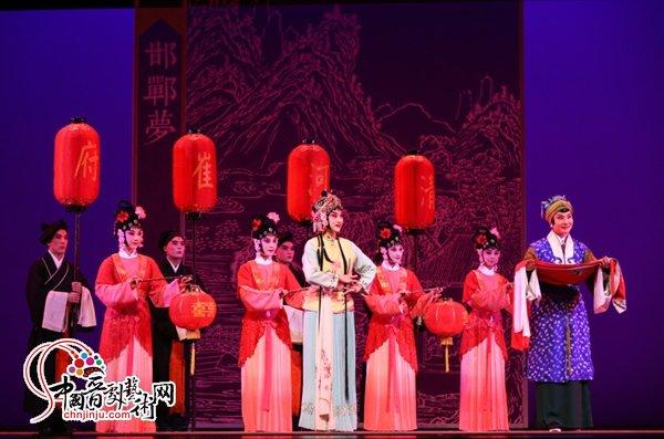 纪念汤显祖逝世400周年优秀剧目展演启幕