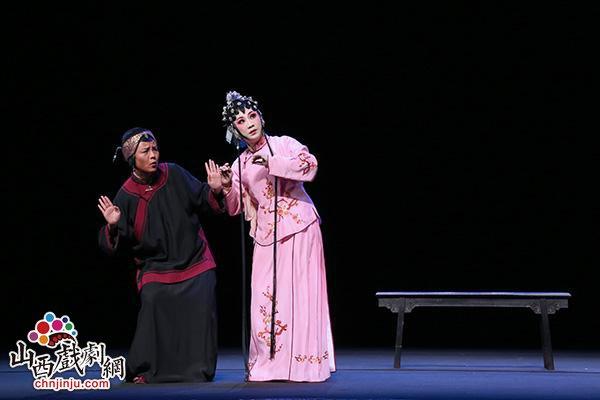 全国人大代表曾静萍:到手工资不到2000元 关注青年戏曲工作者待遇问题